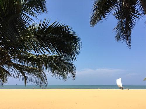 negombo beach sail