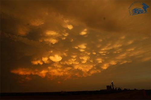 mammatus moln solnedgång